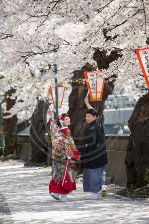 Couple in traditional wedding attire, Higashi Chaya, Kanazawa